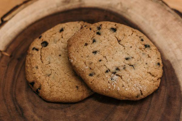 Raisin Polvoron cookie